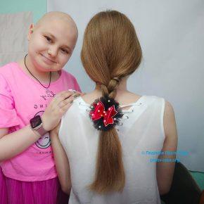 Сашенька вже 12 років бореться з раком, але не плаче, а знаходить в собі сили займатись творчістю